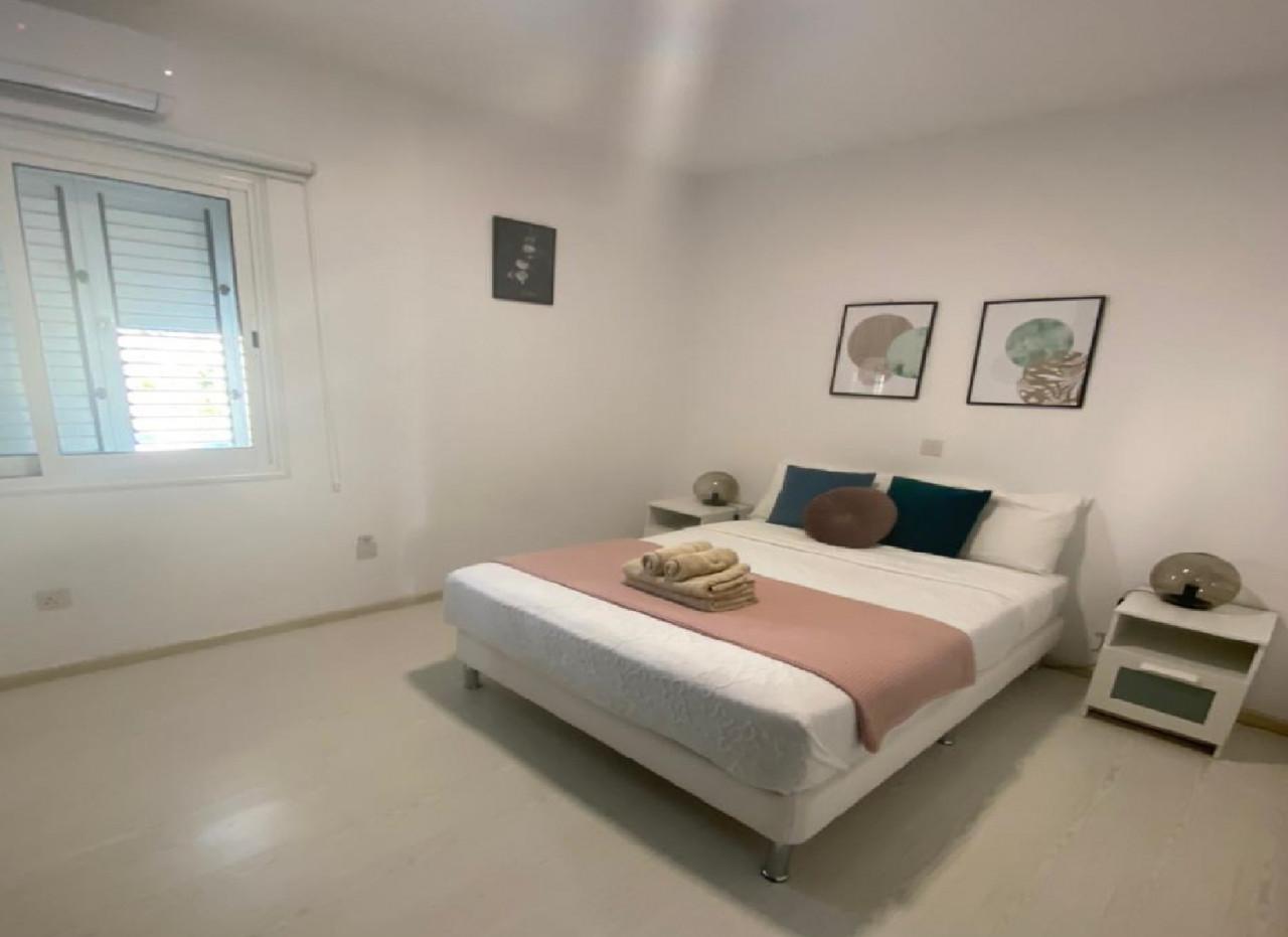 For Sale: Apartment (Flat) in Kato Paphos, Paphos    Key Realtor Cyprus